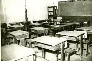 foto antiga da sala de aula