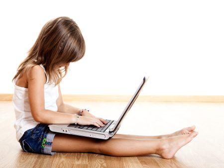 Computador-Criança-hg-20101011